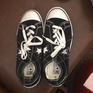 Converse athletic shoes size 8. Black and white